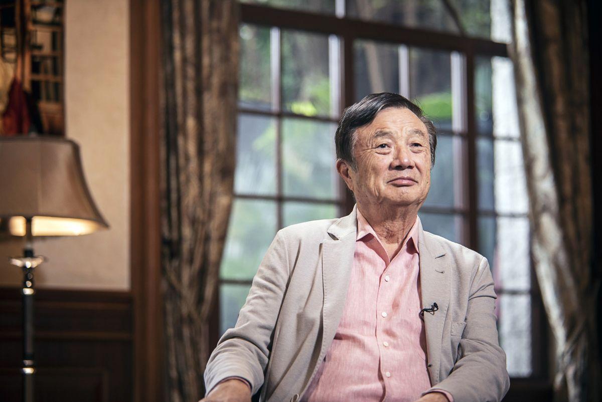 Ông Nhậm Chính Phi khẳng định, Huawei không đủ sức và cũng không muốn bị rơi vào vòng xoáy chính trị, chỉ muốn tập trung làm tốt sản phẩm. Ảnh: Blooomberg.