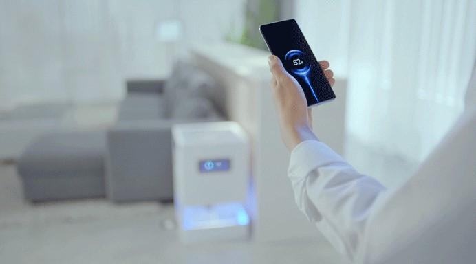 Công nghệ Mi Air Charge của Xiaomi có thể sạc cho smartphone từ xa.