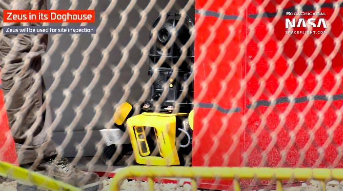 Robot Zeus xuất hiện trong video của SpaceX.