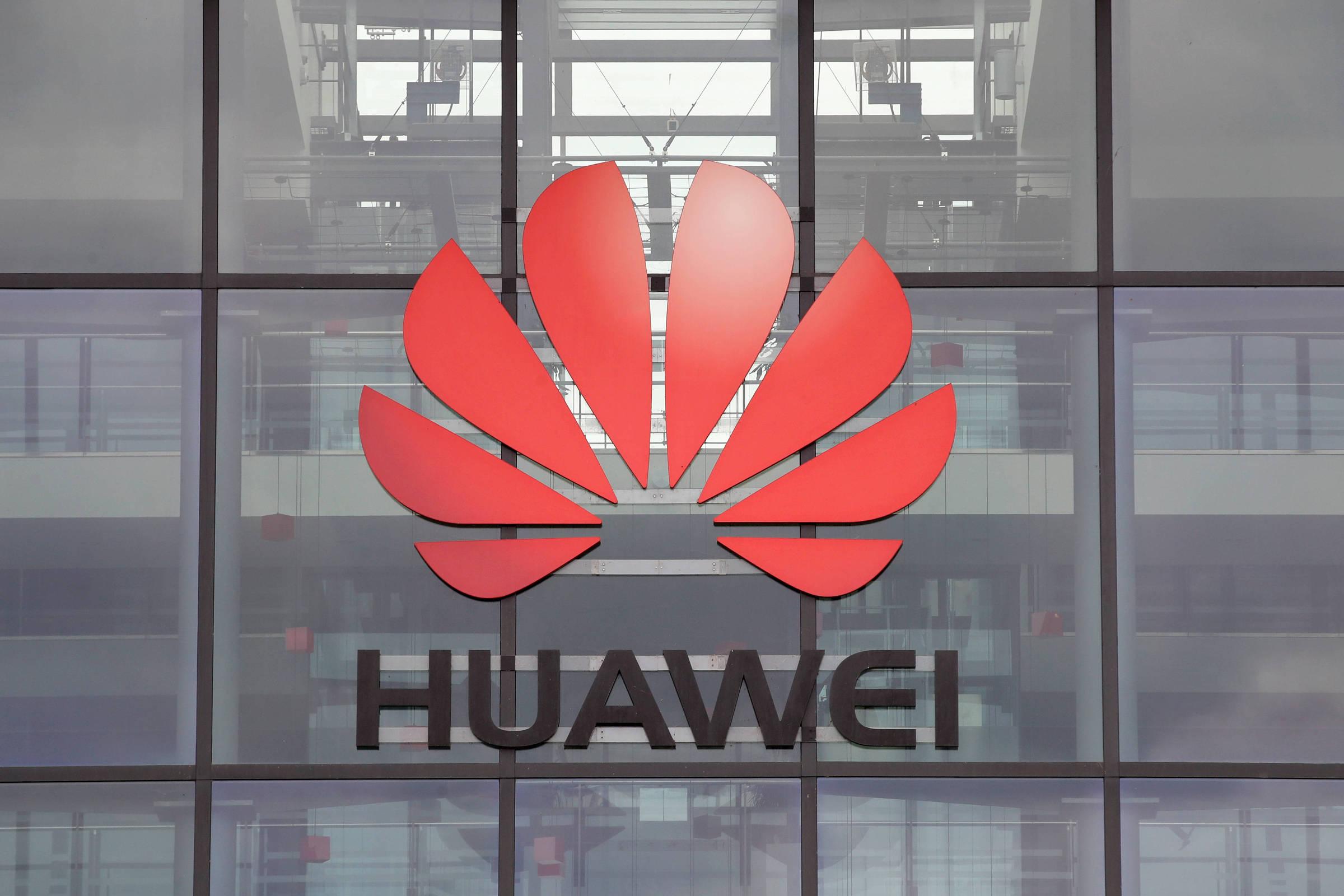 Huawei tiếp tục bị Mỹ siết chặt dưới thời Tổng thống Joe Biden. Ảnh: Reuters.