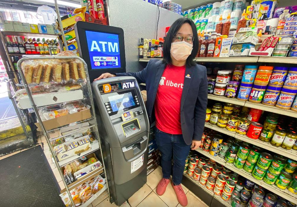 ATM Bitcoin xuất hiện nhiều nơi tại Mỹ, từ siêu thị, nhà hàng đến cây xăng. Ảnh: Reuters.