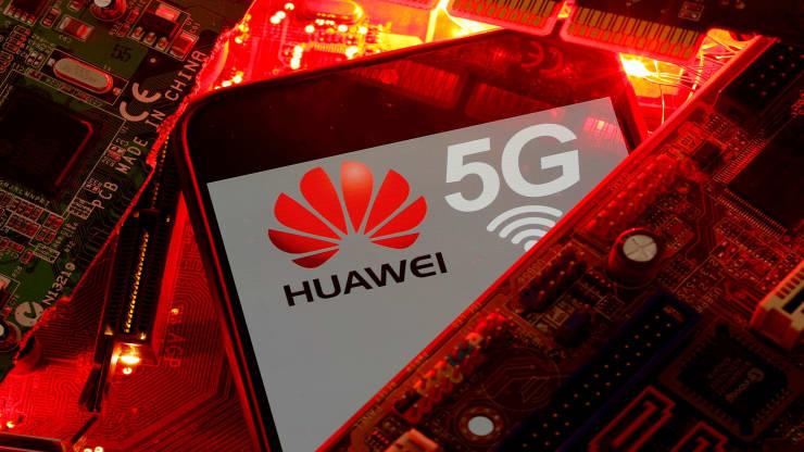 Huawei chuẩn bị thu phí bản quyền sử dụng công nghệ 5G của hãng. Ảnh: Reuters.