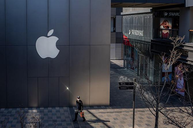 Hầu hết hàng nhái sản phẩm Apple đều đến từ Trung Quốc. Ảnh:AFP.