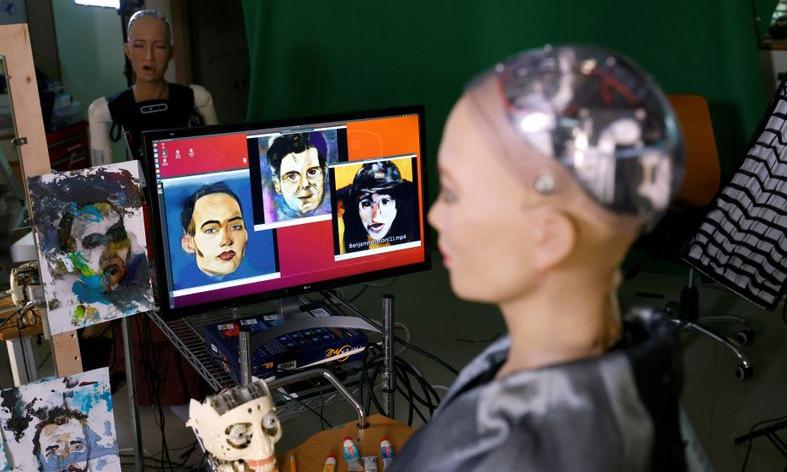 Các tác phẩm của robot Sophia. Ảnh: Reuters.