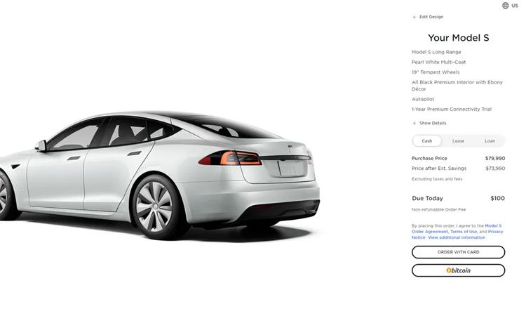 Tùy chọn thanh toán bằng bitcoin với một chiếc Tesla Model S.