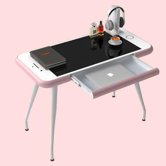 Một chiếc bàn hình iPhone có giá 270 USD.