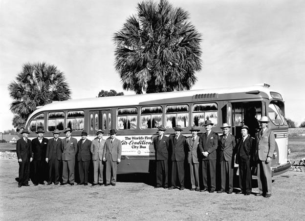 Chiếc xe bus đầu tiên trên thế giới được trang bị điều hòa không khí Carrier ở San Antonio, Texas, Mỹ