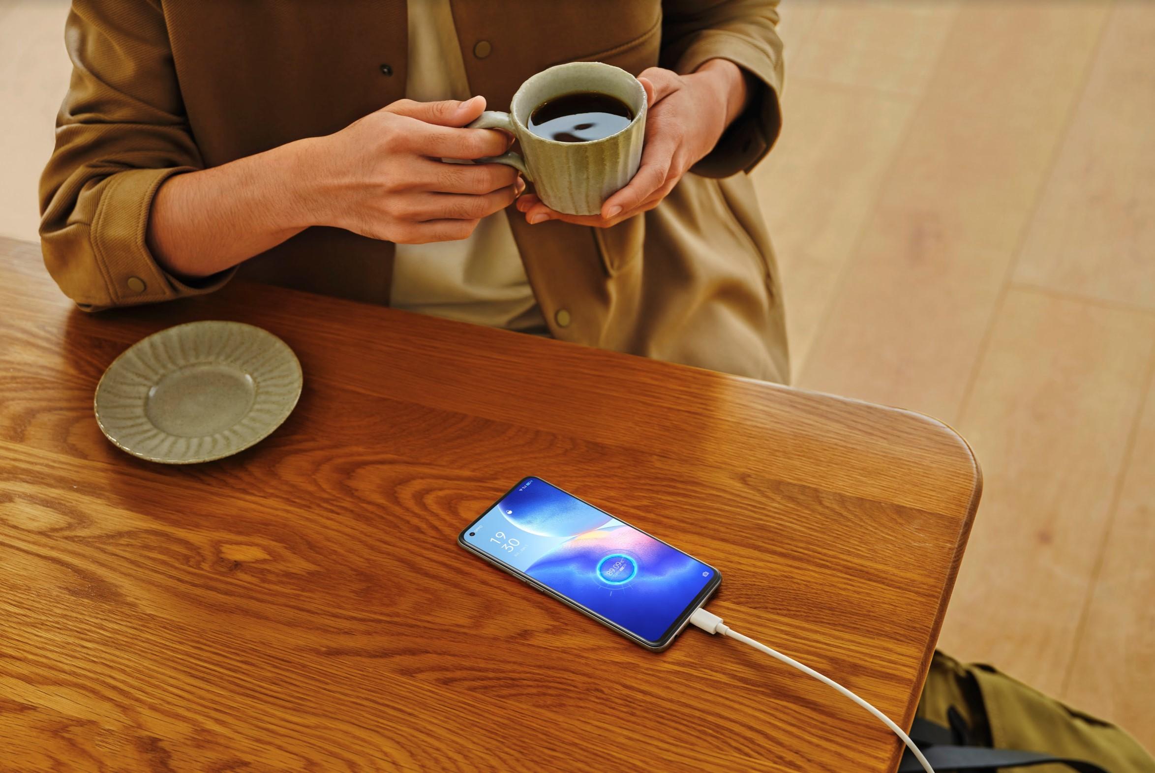 Oppo trang bị công nghệ sạc nhanh SuperVOOC 2.0 65 W trên dòng điện thoại mới Reno5 5G