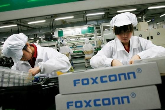 Foxconn sản xuất tới 60% tổng số iPhone hằng năm của Apple. Ảnh: Reuters.