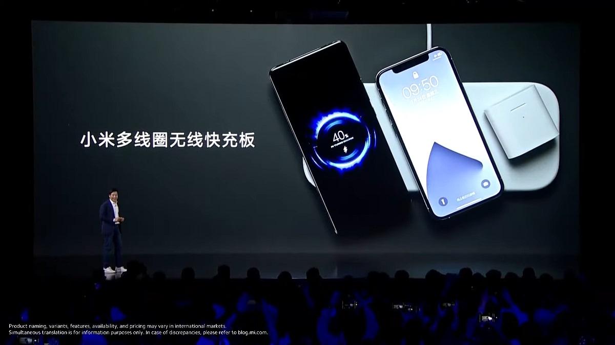Sạc không dây được Xiaomi giới thiệu hôm 31/3, có thể sạc cho ba thiết bị cùng lúc, không phân biệt smartphone Android hay iOS.