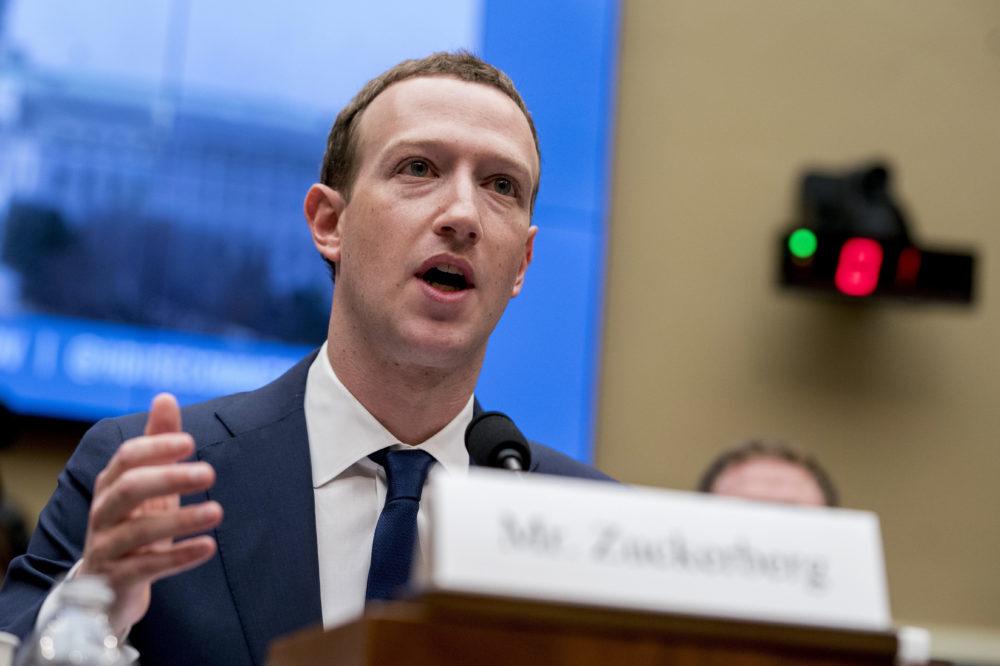 Zuckerberg trong một phiên điều trần năm 2018. Ảnh:AP.
