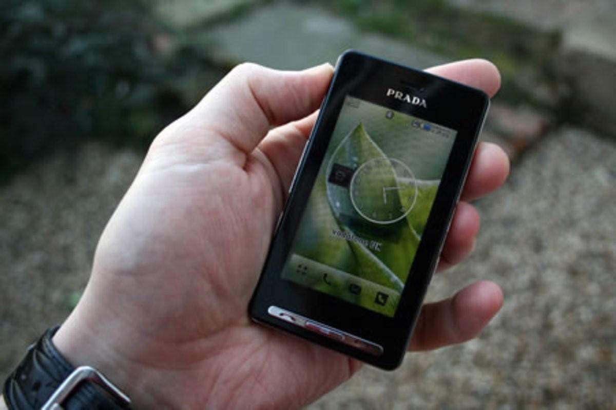 LG Prada là chiếc điện thoại màn hình thuần cảm ứng đầu tiên trên thế giới. Ảnh: Pocket-Lint.