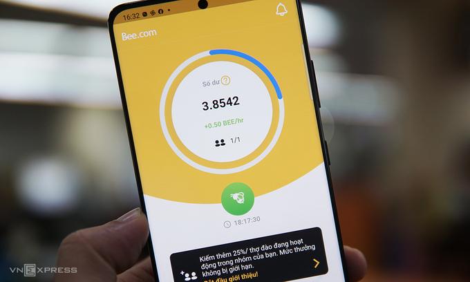Ứng dụng Bee Network được nhiều người Việt sử dụng vì cho rằng có thể đào tiền ảo Bee. Ảnh: Lưu Quý