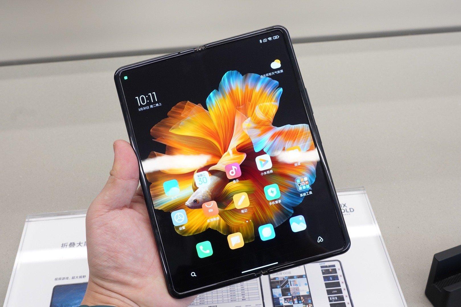 Xiaomi Mi Mix Fold từng được người dùng Trung Quốc kỳ vọng có thể thay thế Huawei Mate X2 khi mới ra mắt.