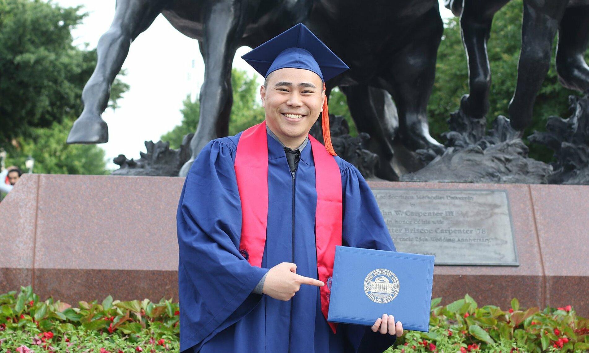 Trần Đại Chí trong lễ tốt nghiệp Southern Methodist University năm 2019. Ảnh: NVCC