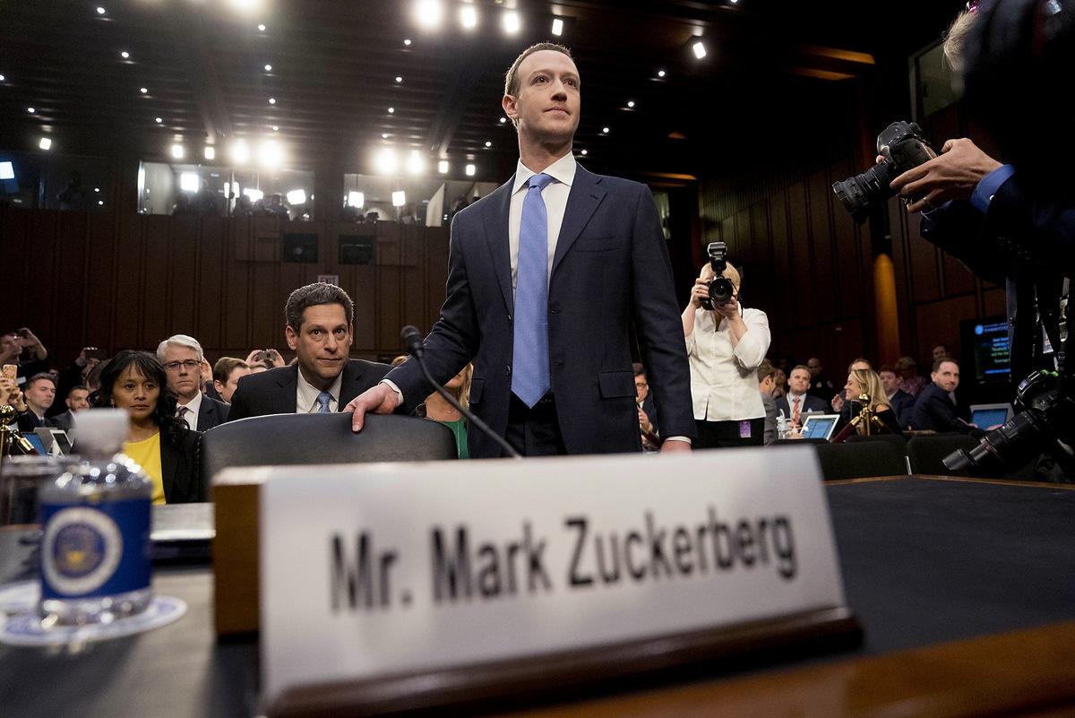 Zuckerberg điều trần trước quốc hội Mỹ năm 2018. Ảnh: Reuters.