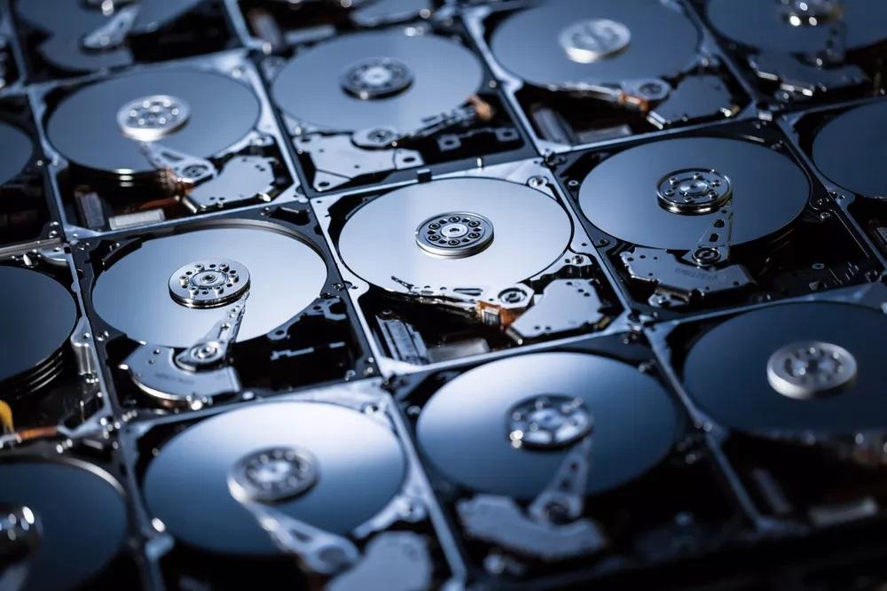 Các loại ổ cứng dung lượng lớn, gồm cả SSD và HDD, đang bị lùng sục cho việc đào tiền ảo Chia.