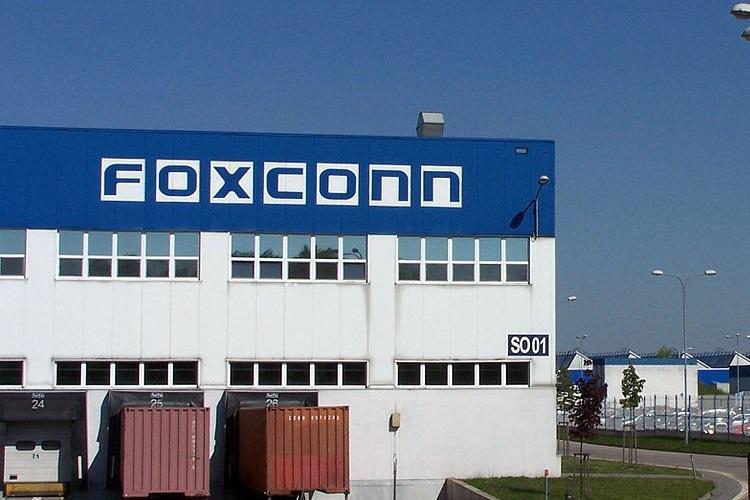 Nhà máu Foxconn tại Ấn Độ buộc phải cắt giảm công suất sau khi công nhân nhiễm Covid-19. Ảnh: India TV.