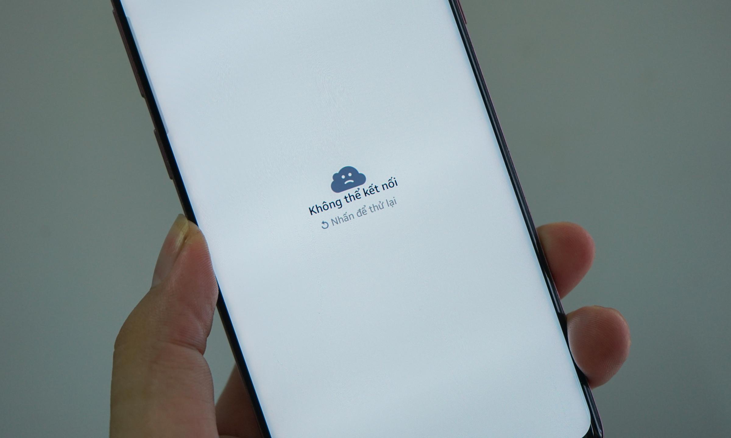 Thông báo Facebook khi nhấp vào bài đăng có nhiều hình ảnh trên điện thoại Android. Ảnh: Bảo Lâm.