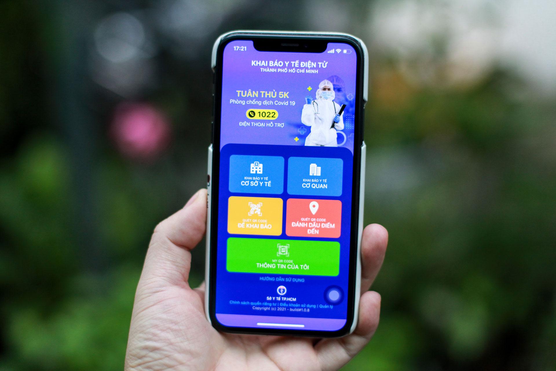 Giao diện ứng dụng Y tế HCM với các tính năng giúp người dân dễ dàng khai báo y tế và nhận kết quả xét nghiệm Covid-19 bằng mã QR.