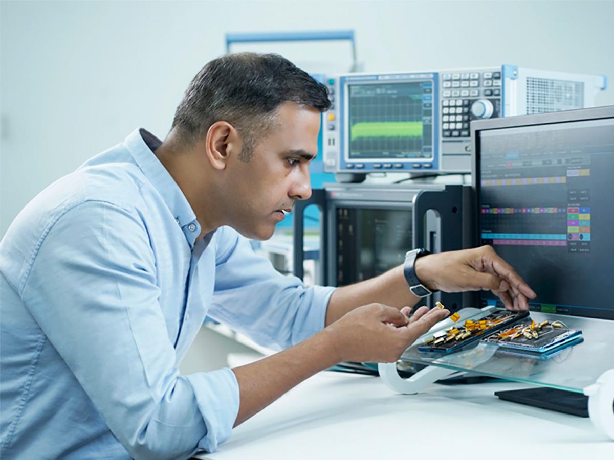 Bên trong trung tâm R&D nghiên cứu về 5G của Oppo tại Ấn Độ.