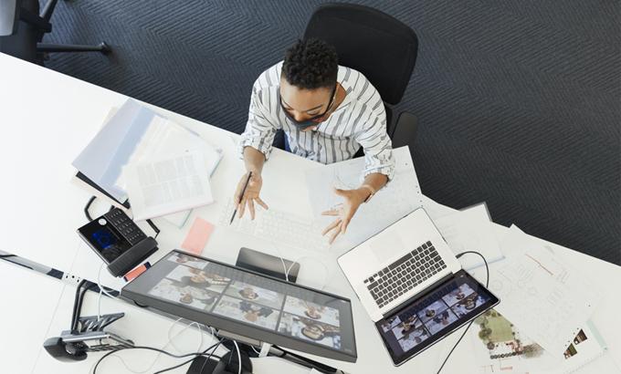 Làm việc từ xa biến tuyển dụng thành một cuộc cạnh tranh quốc gia. Ảnh: AFP.