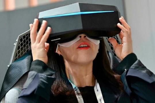 Metaverse có thể là môi trường tốt nhất dành cho các thiết bị thực tế ảo. Ảnh: AFP.