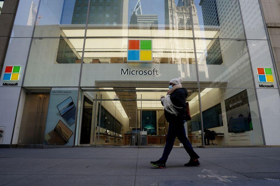 Cửa hàng của Microsoft ở New York. Ảnh: Reuters
