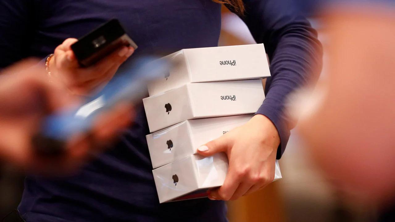 iPhone thế hệ mới luôn là smartphone được quan tâm nhất hàng năm. Ảnh: Reuters