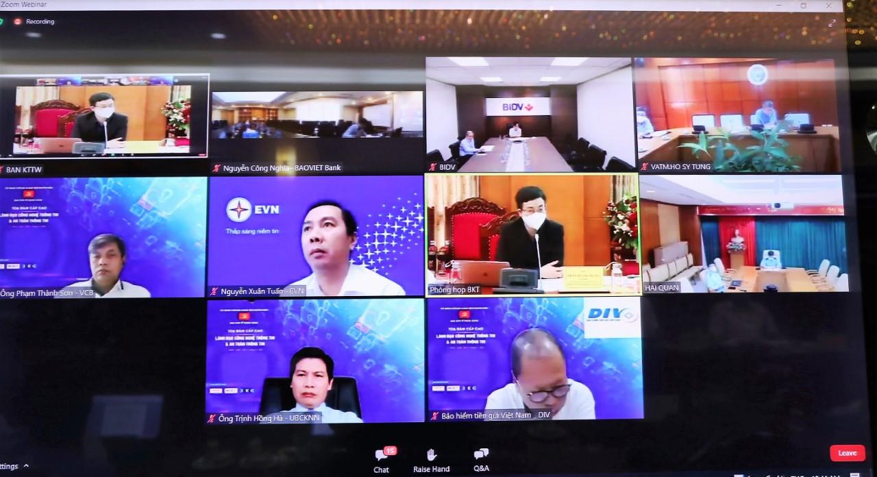 Các lãnh đạo CNTT và An toàn thông tin tại nhiều cơ quan, tổ chức chia sẻ tại tọa đàm hôm 9/9.