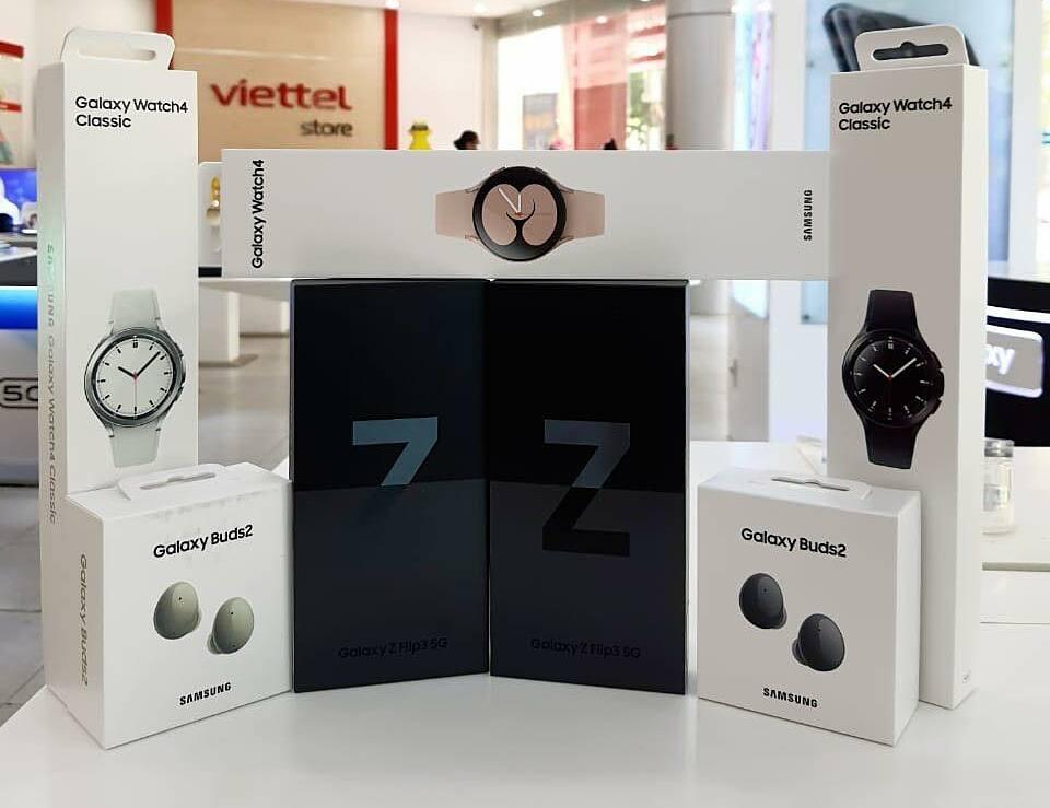Thế hệ điện thoại gập mở mới nhất cùng phụ kiện tai nghe, đồng hồ thông minh có mặt tại Viettel Store.