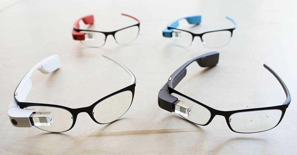 Các mẫu Google Glass. Ảnh: AP.