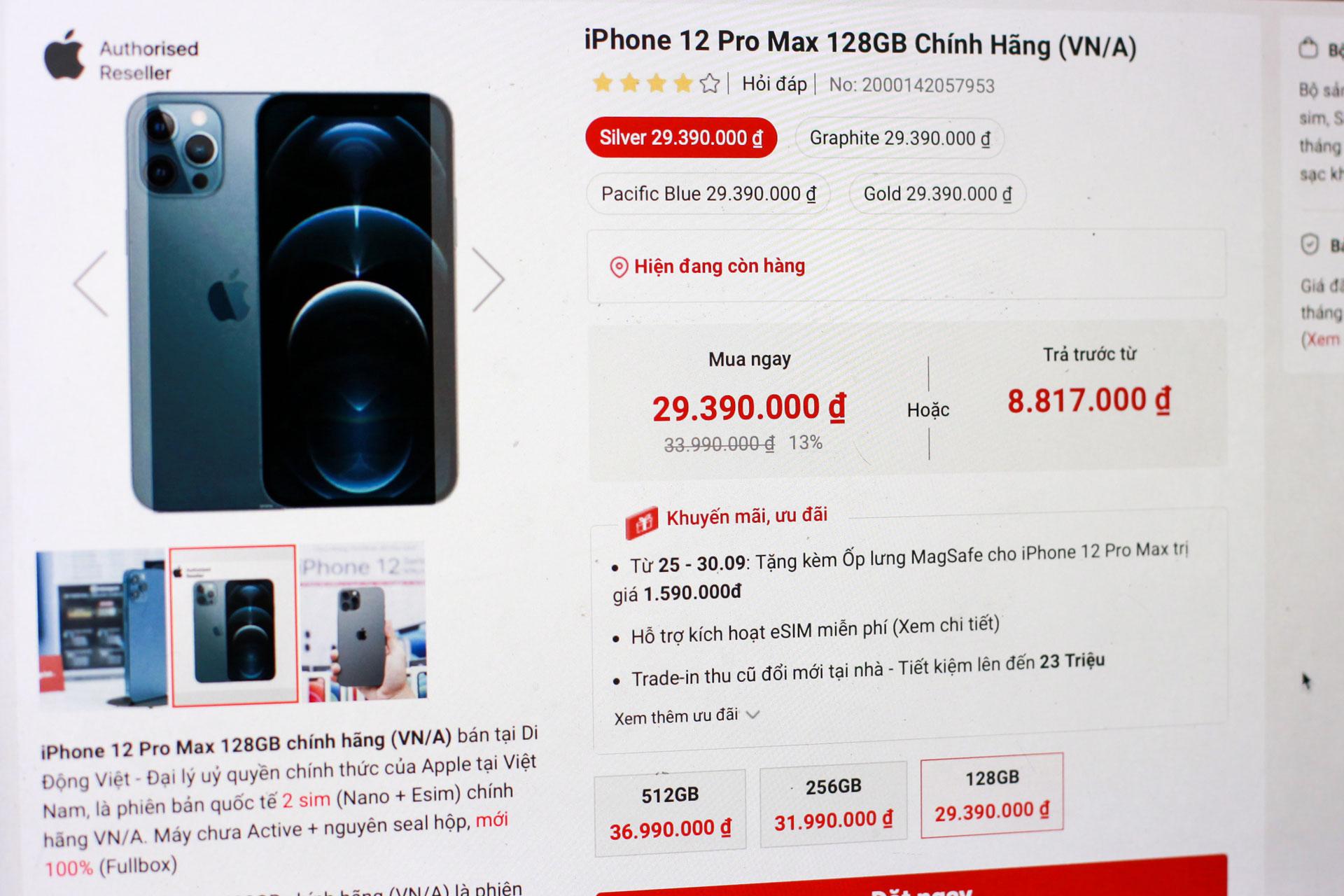 Cuối tháng 9, iPhone 12 Pro Max được các hệ thống phân phối chính hãng của Apple tại Việt Nam đồng loạt giảm giá.