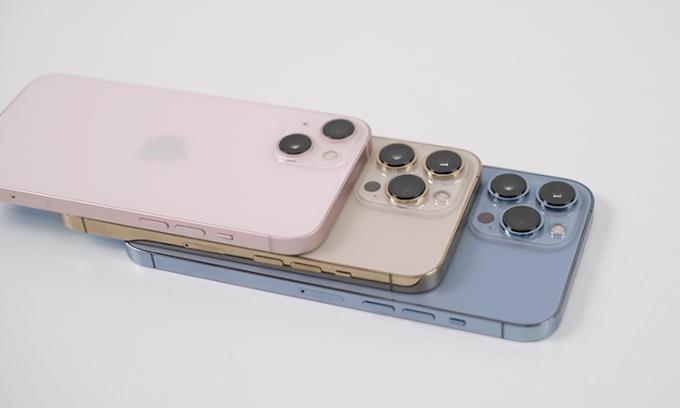 Bộ ba iPhone 13, 13 Pro và 13 Pro Max. Ảnh:Tuấn Hưng