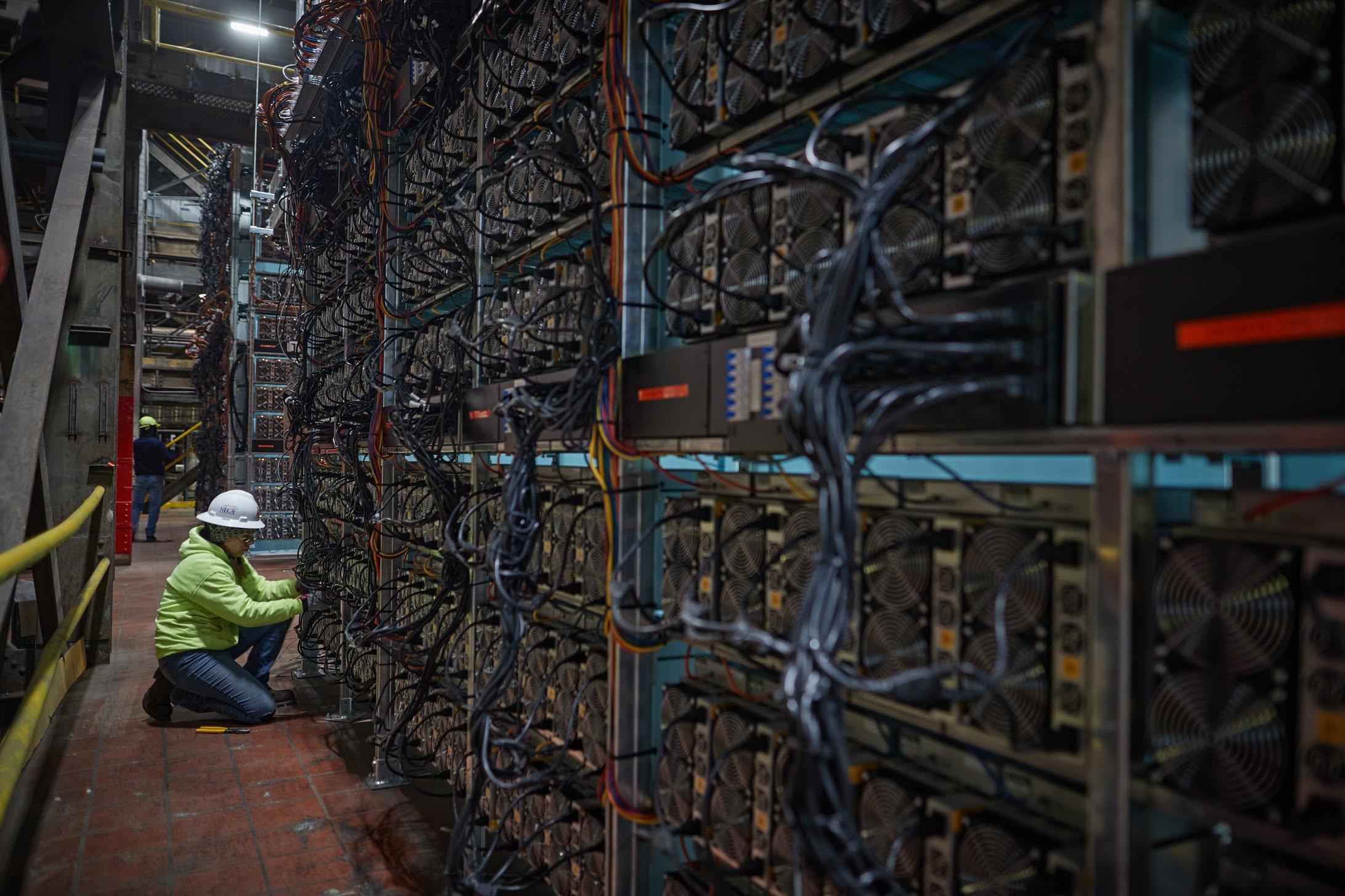 Một hệ thống khai thác Bitcoin tại New York. Ảnh: Greenidge Generation