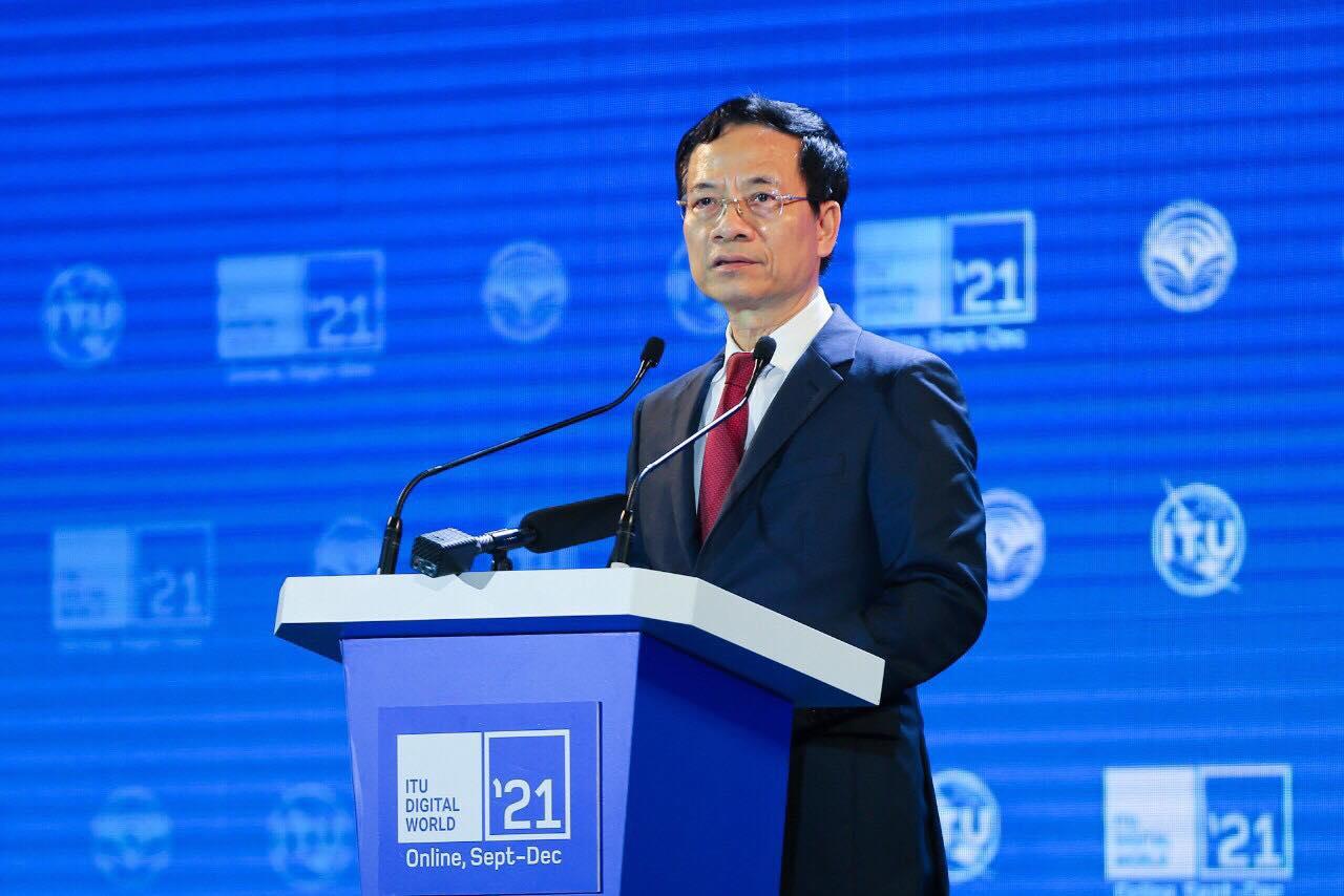 Bộ trưởng Thông tin và Truyền thông Nguyễn Mạnh Hùng phát biểu trong lễ khai mạc ITU Digital World.