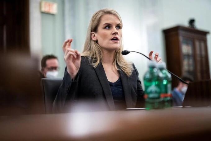 Bà Frances Haugen tại phiên điều trần trước Thượng viện Mỹ ngày 5/10. Ảnh: Reuters