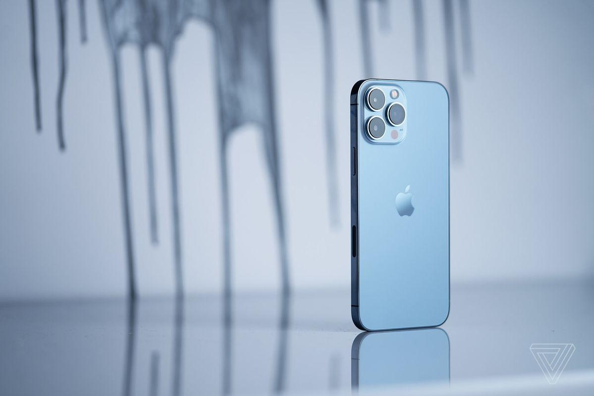 iPhone 13 Pro. Ảnh: The Verge
